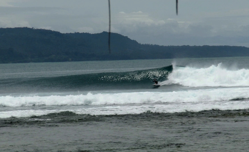 Jennys Point break Sumatra