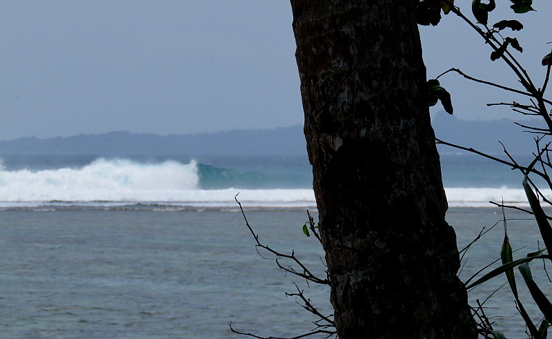 Jimmys Left surf break Sumatra