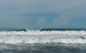 Mandiri Beach surf break videos
